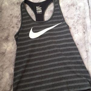 Worn once Nike tank!!